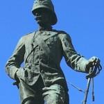 monumento-a-vittorio-bottego-vert